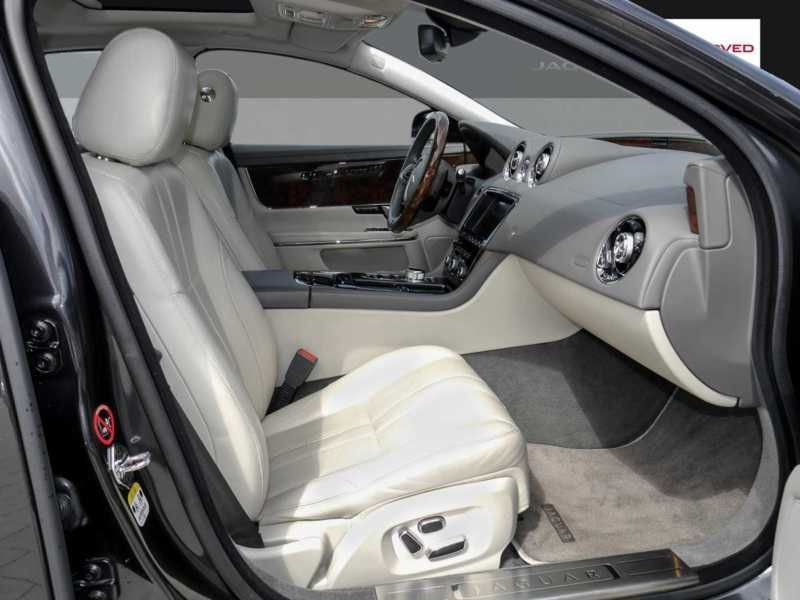 Jaguar XJ 3.0 AWD 340 ch Gris occasion à Beaupuy - photo n°4