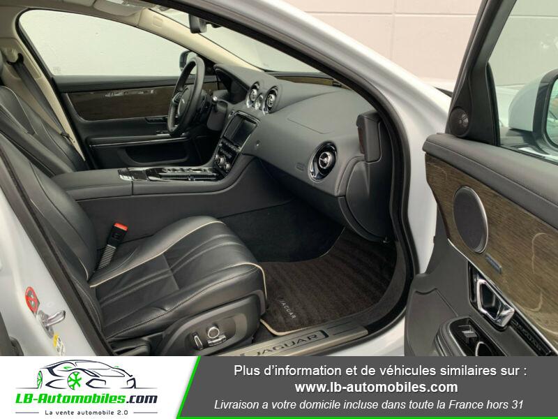 Jaguar XJ 3.0 D V6 300 ch Blanc occasion à Beaupuy - photo n°8