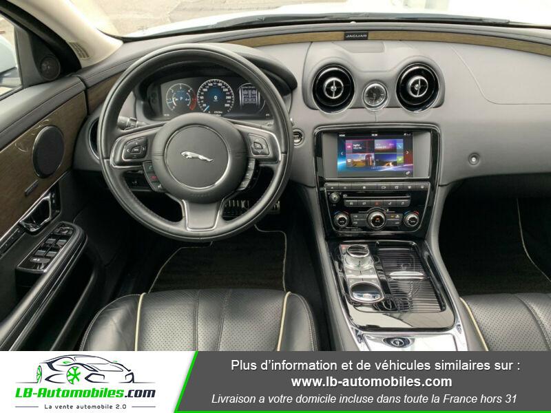Jaguar XJ 3.0 D V6 300 ch Blanc occasion à Beaupuy - photo n°3