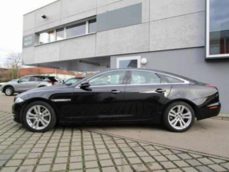 Jaguar XJ 3.0 d V6 Noir occasion à Beaupuy - photo n°8