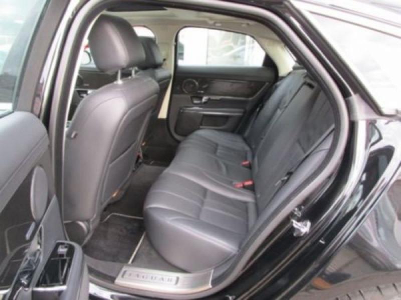 Jaguar XJ 3.0 d V6 Noir occasion à Beaupuy - photo n°4