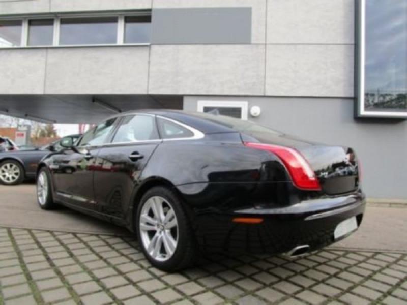 Jaguar XJ 3.0 d V6 Noir occasion à Beaupuy - photo n°2