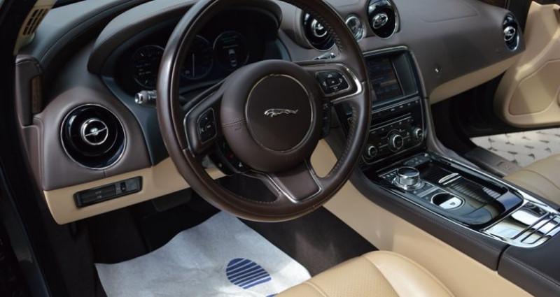 Jaguar XJ V6 3.0 - 275 ch Luxe 51.000 km ! Superbe ?tat ! Gris occasion à Lille - photo n°7