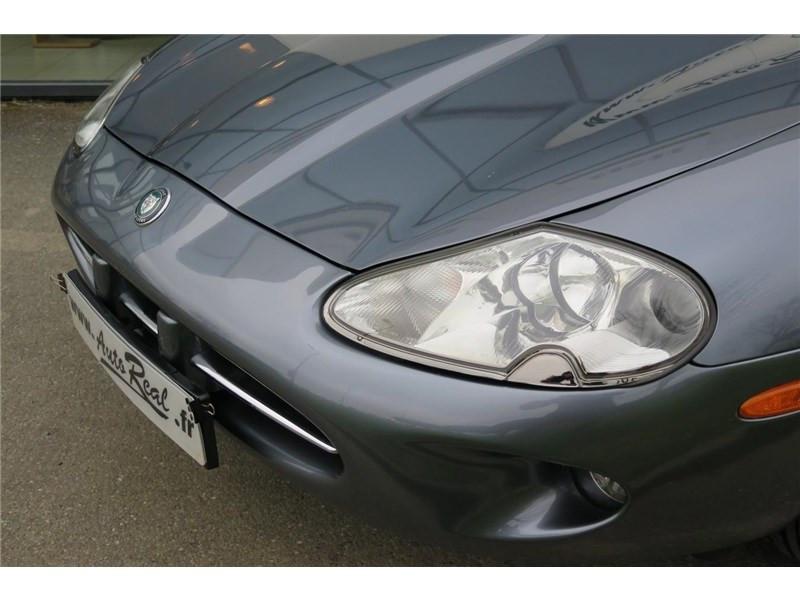 Jaguar XK8 4.0I V8 Coupé Gris occasion à LABEGE CEDEX - photo n°18
