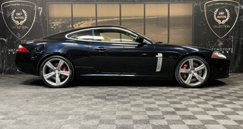 Jaguar XKR V8 4.2 420 ch Portfolio Bleu occasion à GUERANDE - photo n°2