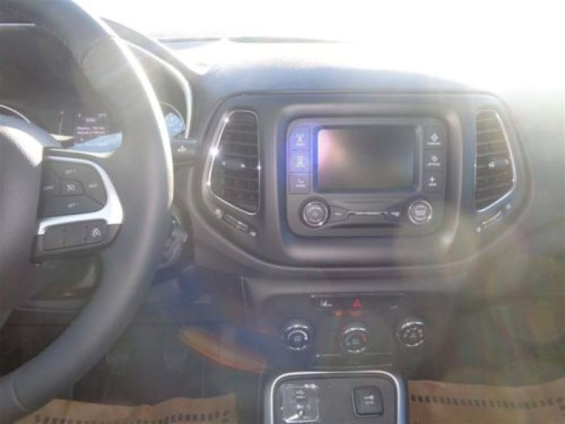 Jeep Compass 1.4 MultiAir 140 ch Argent occasion à Beaupuy - photo n°5