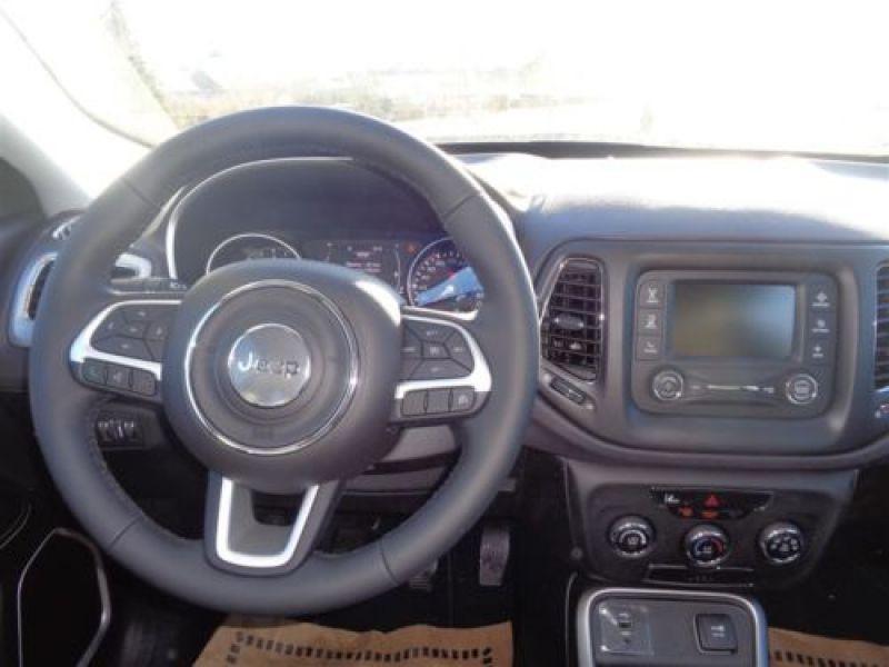 Jeep Compass 1.4 MultiAir 140 ch Argent occasion à Beaupuy - photo n°4