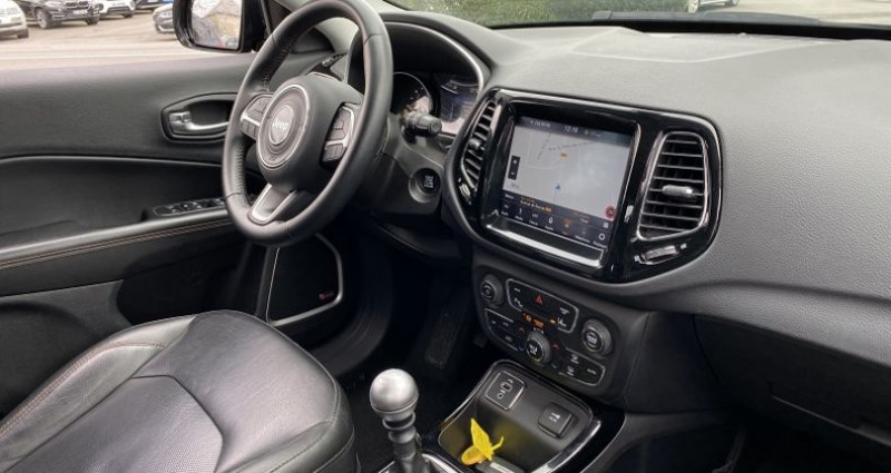 Jeep Compass 1.6 MULTIJET II 120CH LIMITED 4X2 117G Gris occasion à GUER - photo n°5