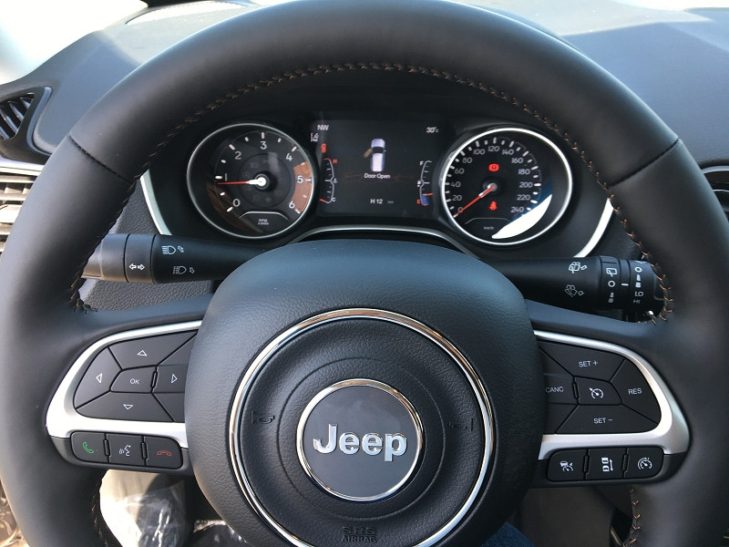 Jeep Compass 1.6 MULTIJET II 120CH LIMITED 4X2 EURO6D-T Blanc occasion à Ibos - photo n°4