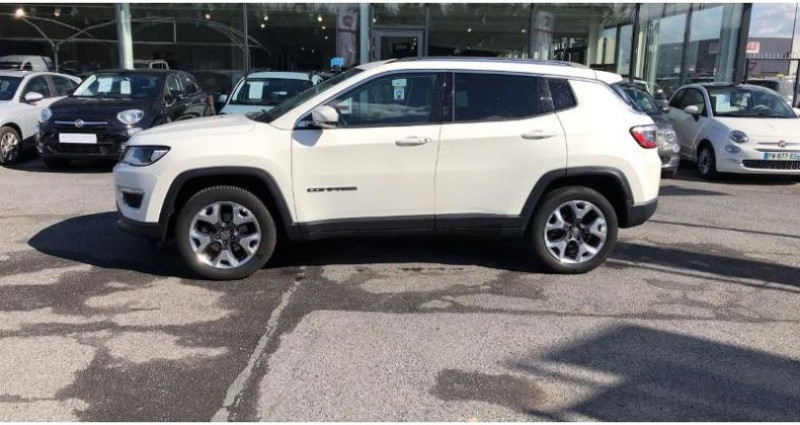 Jeep Compass 2.0 MultiJet II 140ch Limited 4x4 Blanc occasion à BEAUVAIS - photo n°4