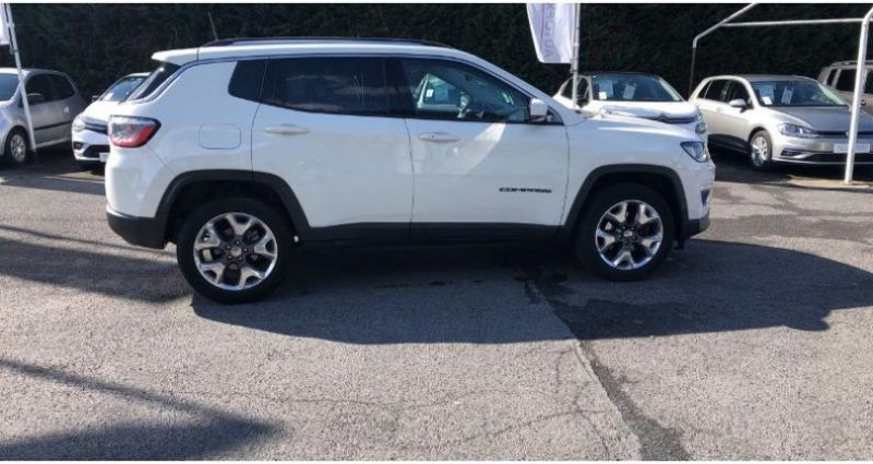 Jeep Compass 2.0 MultiJet II 140ch Limited 4x4 Blanc occasion à BEAUVAIS - photo n°5