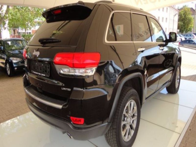 Jeep Grand Cherokee 3.0 CRD Limited 250 ch Noir occasion à Beaupuy - photo n°2