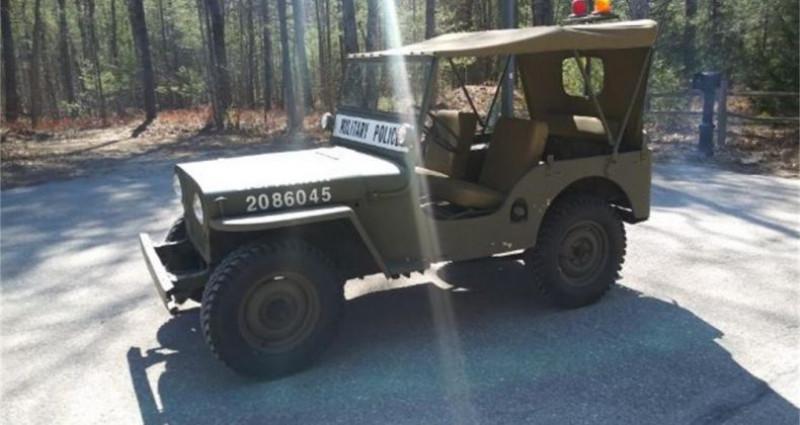 Jeep Willis M38 military police 1947 prix tout compris Vert occasion à PONTAULT COMBAULT - photo n°2