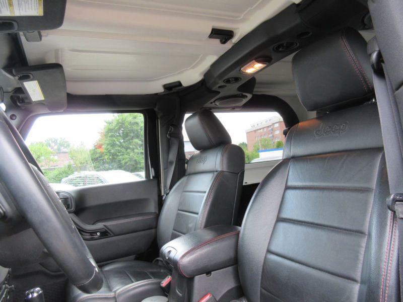 Jeep Wrangler 2.8 CRD 200 Sahara Black Edition Noir occasion à Beaupuy - photo n°2