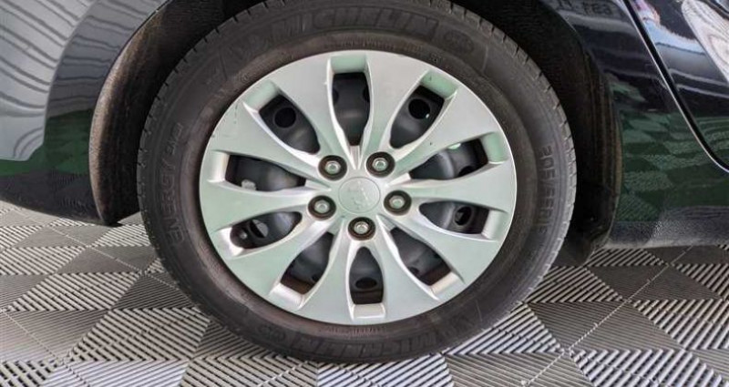 Kia Carens 1.7 CRDi 115 ch ISG 5 pl Motion Noir occasion à SAINT FULGENT - photo n°7