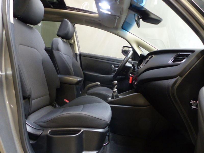 Kia Carens 1.7 CRDI 115CH ACTIVE ISG 7 PLACES Argent occasion à Challans - photo n°2