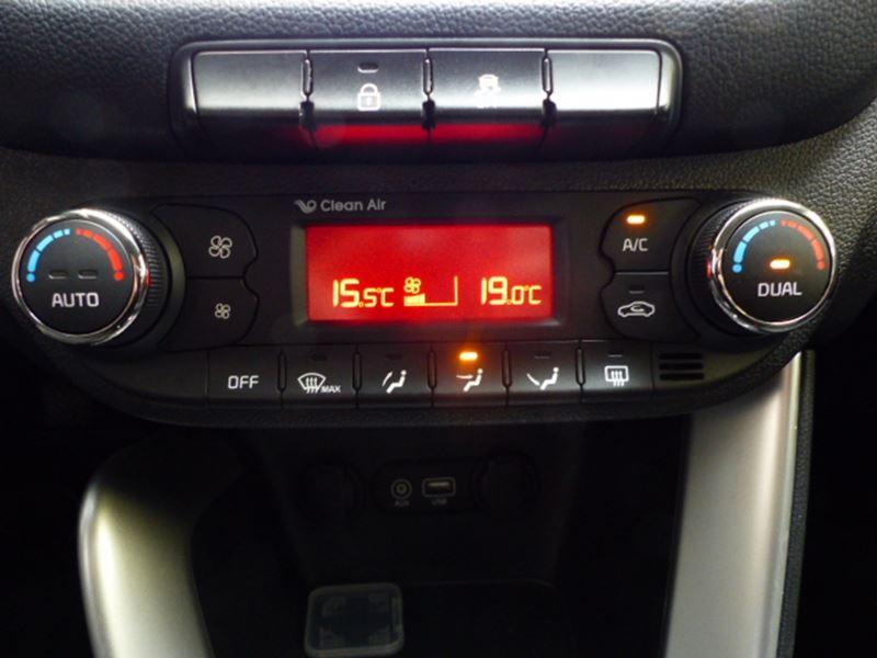 Kia Cee'd SW 1.6 CRDI 136CH ISG ACTIVE Blanc occasion à Challans - photo n°7