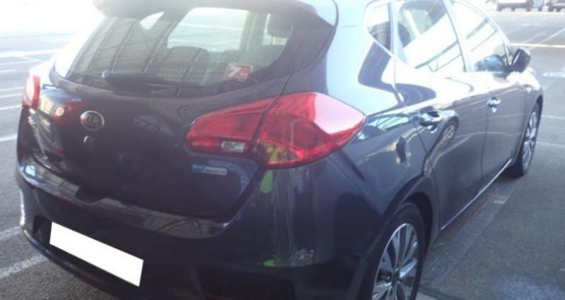 Kia Cee'd 1.6 CRDI 110 ACTIVE BUSINESS Gris occasion à CHANAS - photo n°2