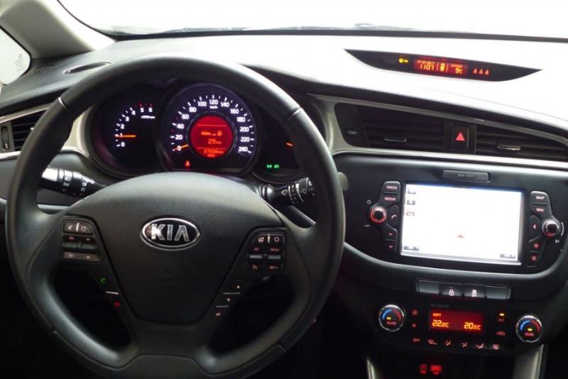 Kia Cee'd 1.6 CRDI 136CH ISG ACTIVE Noir occasion à Challans - photo n°4