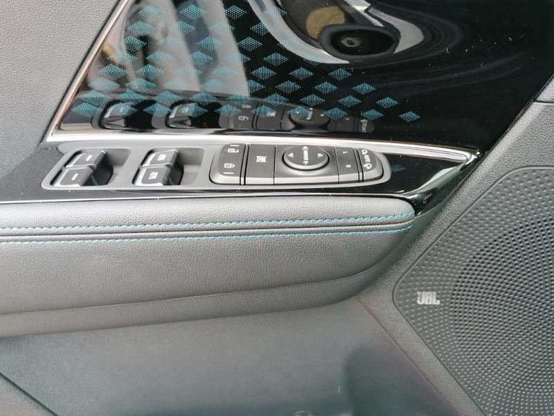 Kia e-Niro e-Premium 204ch Blanc occasion à Saint-Maximin - photo n°10