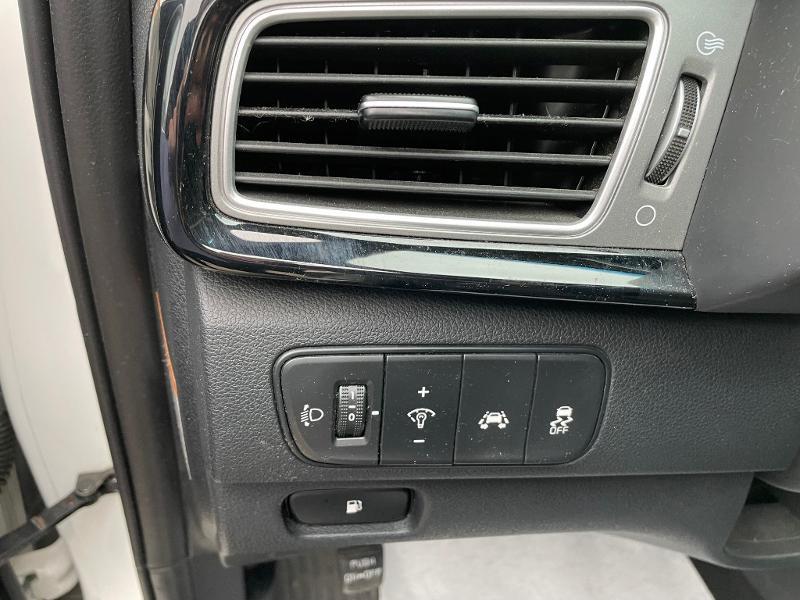 Kia Niro 1.6 GDi 105ch ISG + électrique 43.5ch Active DCT6 Blanc occasion à Barberey-Saint-Sulpice - photo n°7