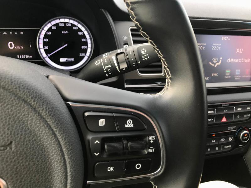 Kia Niro 1.6 GDi 105ch ISG + électrique 43.5ch Design DCT6 Euro6d-T Gris occasion à Amilly - photo n°18