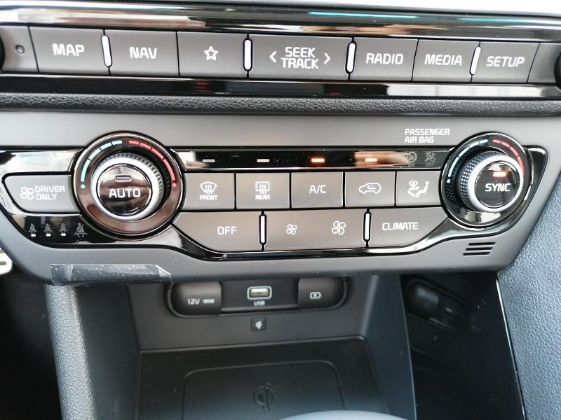 Kia Niro 1.6 GDi 105ch ISG + électrique 43.5ch Design DCT6  occasion à Varennes-Vauzelles - photo n°13