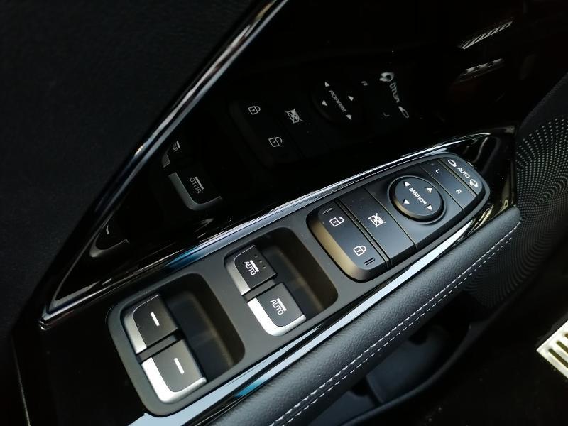 Kia Niro 1.6 GDi 105ch ISG + électrique 43.5ch Design DCT6  occasion à Varennes-Vauzelles - photo n°20