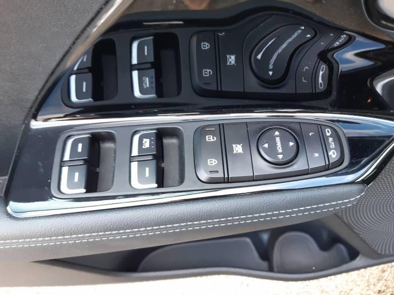 Kia Niro Hybrid 1.6 GDi 105 ch + Electrique 43.5 DCT6 Active Gris occasion à Villenave-d'Ornon - photo n°15