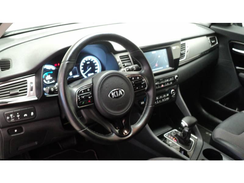Kia Niro Hybrid 1.6 GDi 105 ch + Electrique 43.5 DCT6 Active Noir occasion à Cahors - photo n°9