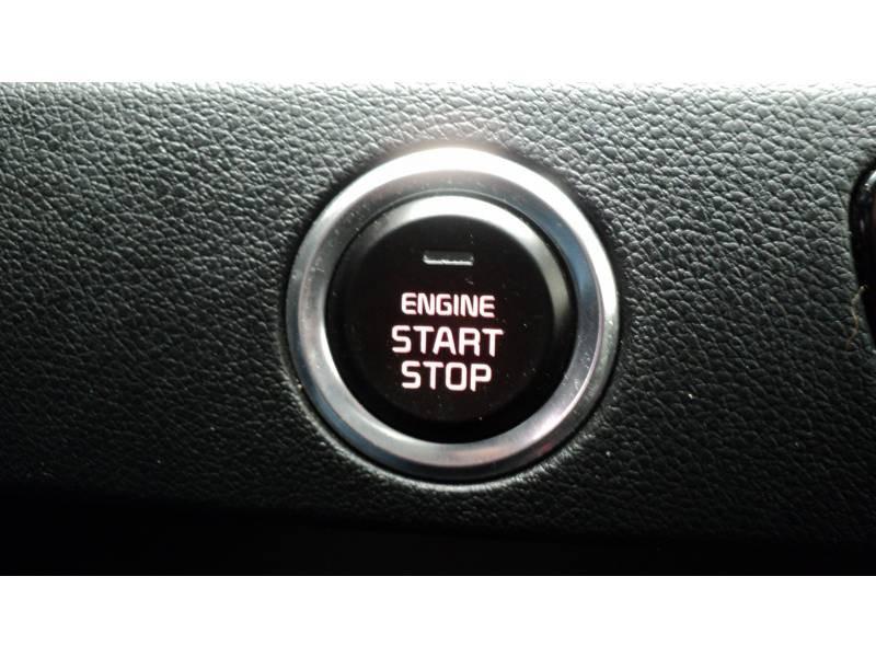 Kia Niro Hybrid 1.6 GDi 105 ch + Electrique 43.5 DCT6 Active Noir occasion à Cahors - photo n°19