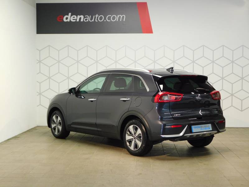 Kia Niro Hybrid 1.6 GDi 105 ch + Electrique 43.5 DCT6 Active Gris occasion à Saint-Laurent-des-Vignes - photo n°2