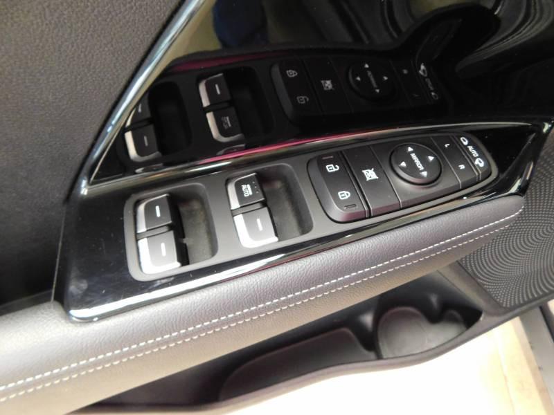 Kia Niro Hybrid 1.6 GDi 105 ch + Electrique 43.5 DCT6 Active Gris occasion à Saint-Laurent-des-Vignes - photo n°12