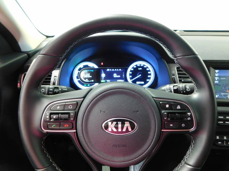 Kia Niro Hybrid 1.6 GDi 105 ch + Electrique 43.5 DCT6 Active Gris occasion à Saint-Laurent-des-Vignes - photo n°8