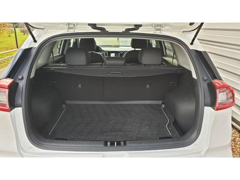 Kia Niro Hybrid 1.6 GDi 105 ch + Electrique 43.5 DCT6 Design Blanc occasion à Saint-Laurent-des-Vignes - photo n°16