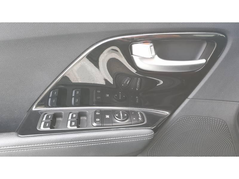 Kia Niro Hybrid 1.6 GDi 105 ch + Electrique 43.5 DCT6 Design Blanc occasion à Saint-Laurent-des-Vignes - photo n°14