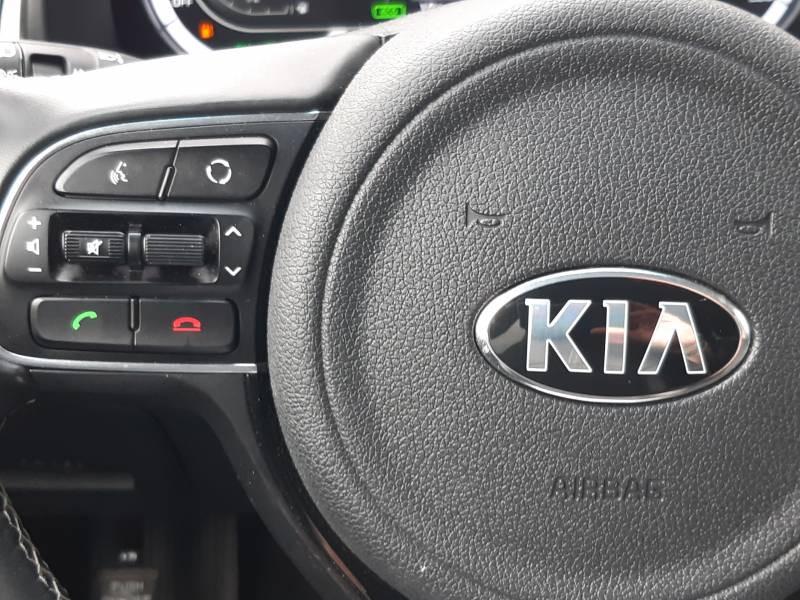 Kia Niro Hybrid 1.6 GDi 105 ch + Electrique 43.5 DCT6 Design Blanc occasion à Saint-Laurent-des-Vignes - photo n°9