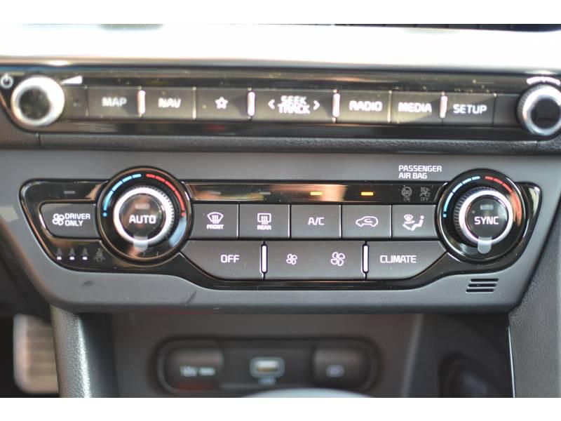 Kia Niro Hybrid Recharg 1.6 GDi 105 ch ISG + Elec 60.5 DCT6 Premium Gris occasion à Toulenne - photo n°16