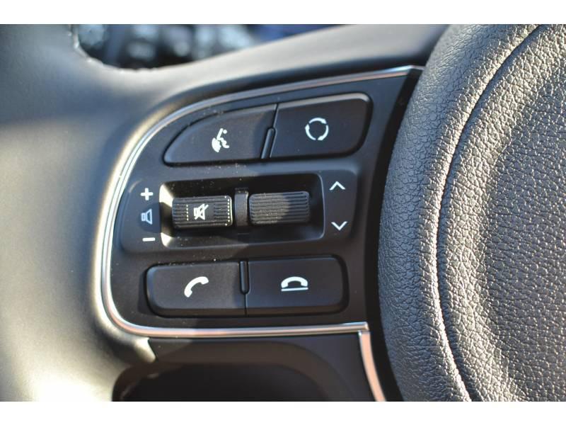 Kia Niro Hybrid Recharg 1.6 GDi 105 ch ISG + Elec 60.5 DCT6 Premium Gris occasion à Toulenne - photo n°13