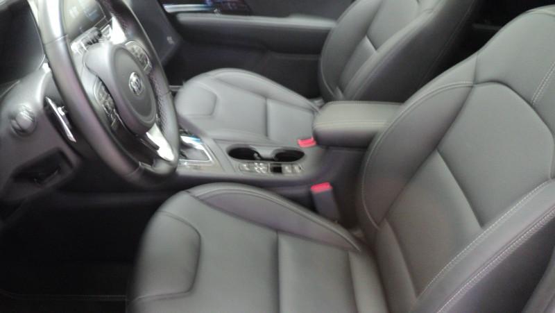 Kia Niro Niro Hybrid Recharg 1.6 GDi 105 ch ISG + Elec 60.5 ch DCT6 P Blanc occasion à Cahors - photo n°9
