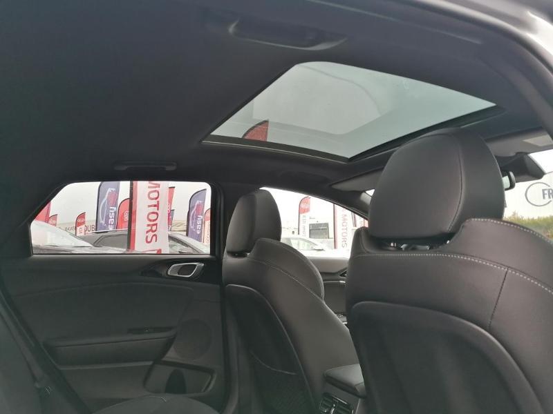 Kia Pro-cee'd 1.4 T-GDI 140ch GT Line Premium DCT7 MY20  occasion à Saint-Maximin - photo n°12
