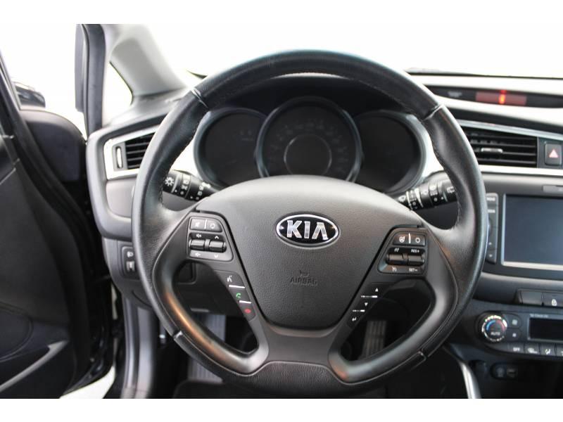 Kia Pro-cee'd COUPE 1.6 CRDi 136 ch ISG Active Noir occasion à LONS - photo n°10
