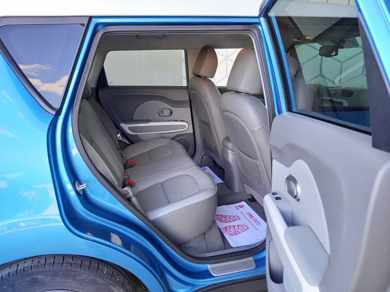 Kia Soul EV Electrique 110 ch Ultimate Bleu occasion à Saint Bazeille - photo n°4