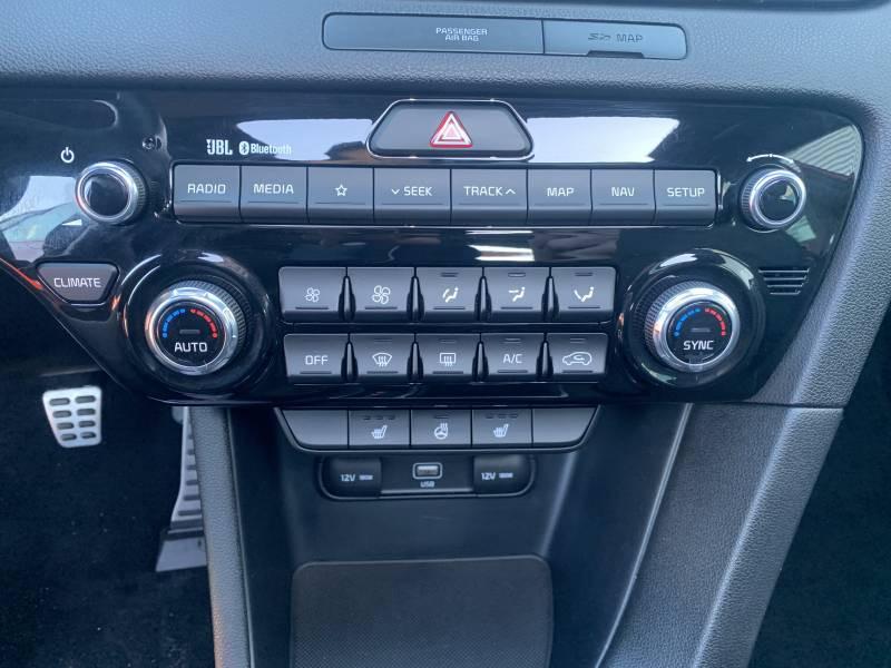 Kia Sportage 1.6 CRDi 136 ISG 4x4 BVM6 GT Line Premium Rouge occasion à Tulle - photo n°12
