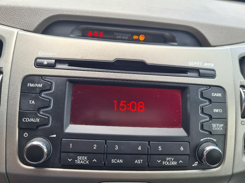 Kia Sportage 1.7 CRDi 115 Premium ISG Gris occasion à Vert-Saint-Denis - photo n°10