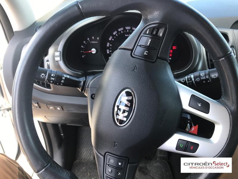 Kia Sportage 1.7 CRDi 115ch ISG Style 4X2 Blanc occasion à Mont-de-Marsan - photo n°16