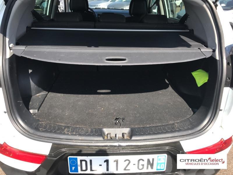 Kia Sportage 1.7 CRDi 115ch ISG Style 4X2 Blanc occasion à Mont-de-Marsan - photo n°6