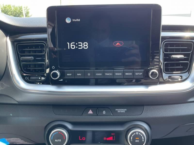 Kia Stonic MY21 1.0 T-GDi 120 ch MHEV iBVM6 Launch Edition Blanc occasion à Marmande - photo n°19