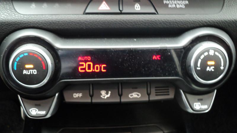 Kia Stonic Stonic 1.0 T-GDi 120 ch ISG BVM6 Premium 5p Jaune occasion à Cahors - photo n°17
