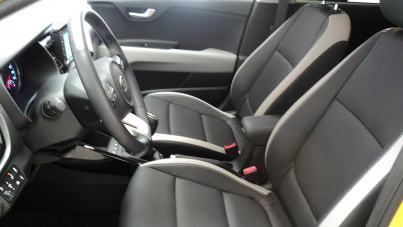 Kia Stonic Stonic 1.0 T-GDi 120 ch ISG BVM6 Premium 5p Jaune occasion à Cahors - photo n°12